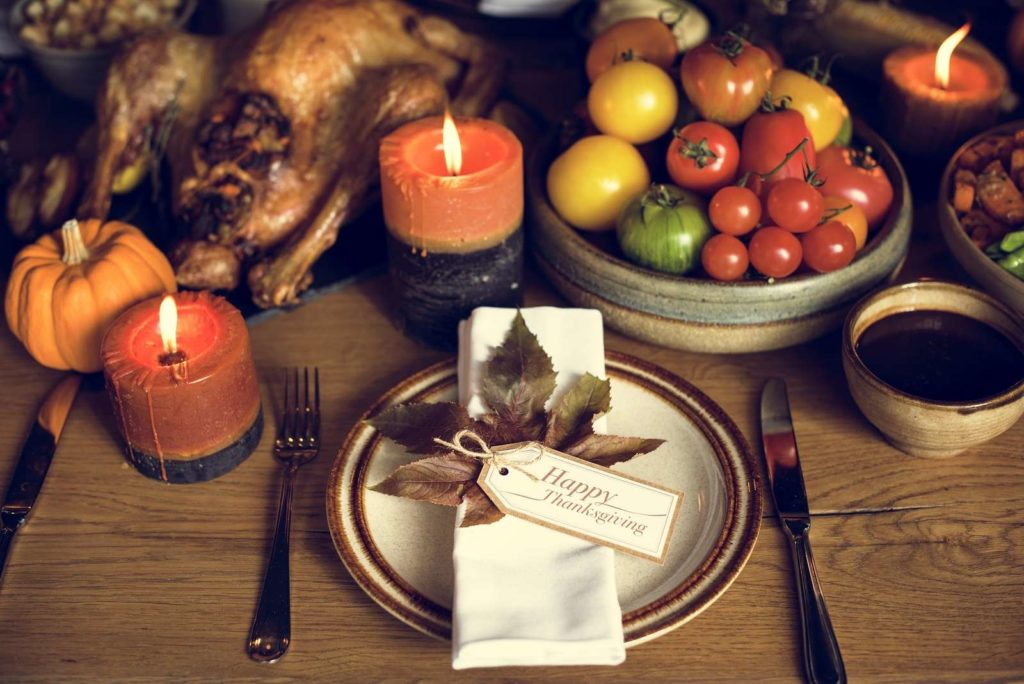 Thanksgiving Table - Things You Should be Thankful For This Thanksgiving
